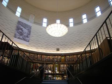 市立図書館R0011517.jpg