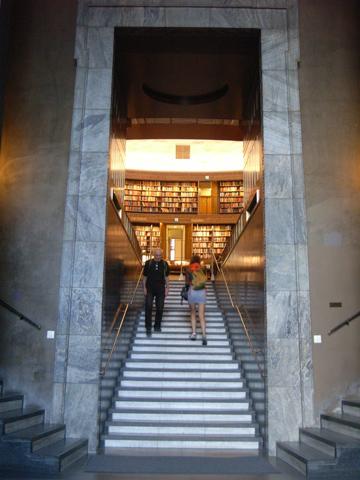 市立図書館R0011536.jpg